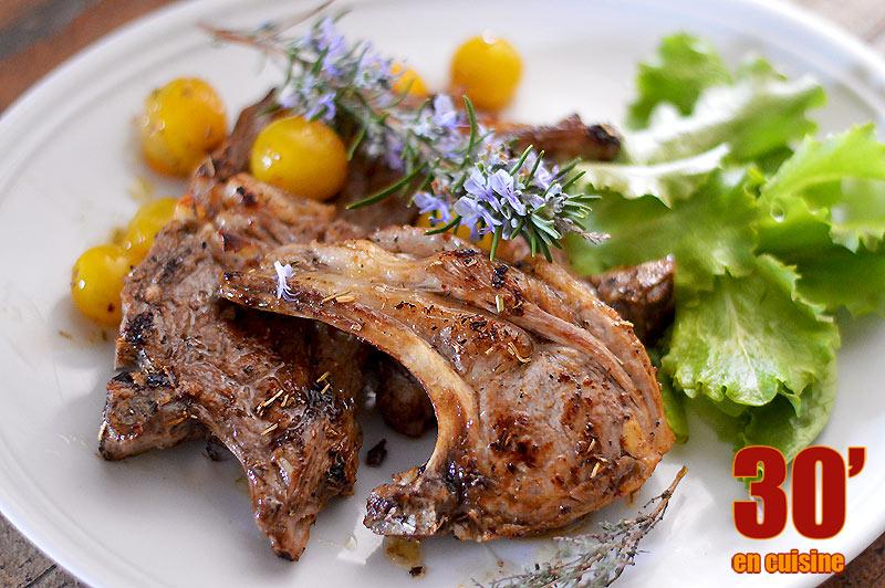 Côtes d'agneau grillées aux herbes de Provence